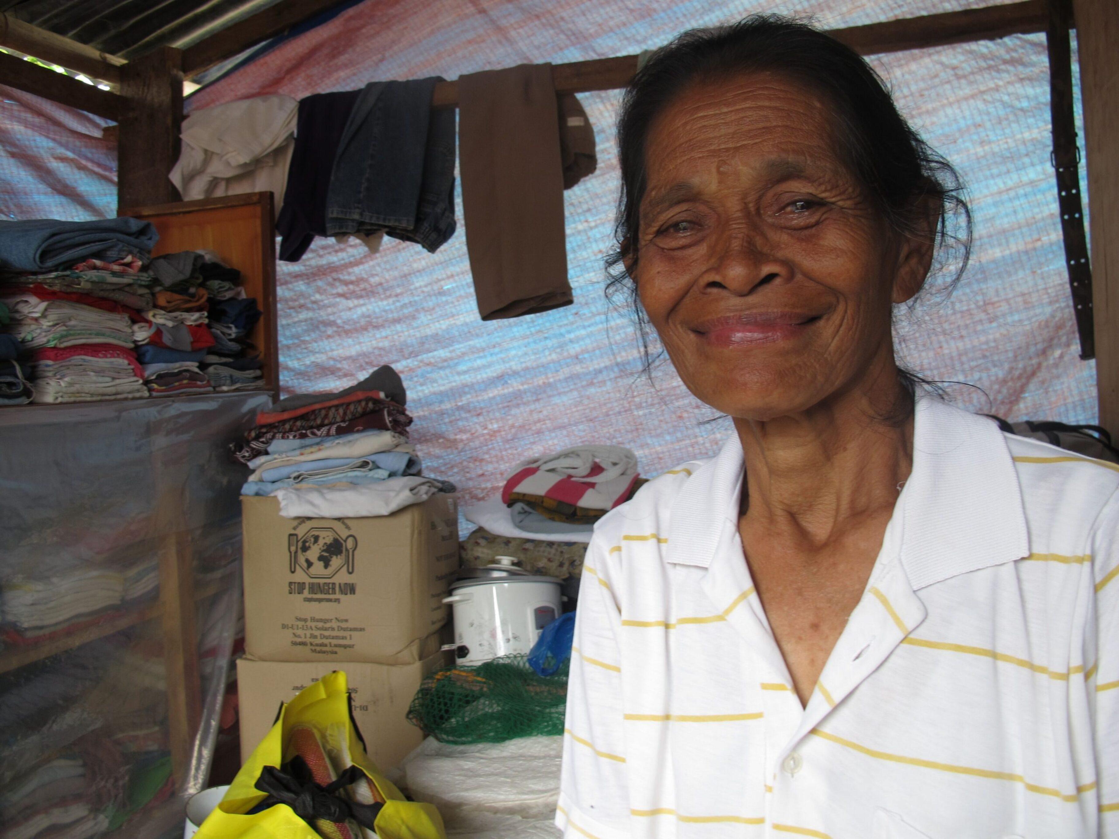 Agua limpia para los supervivientes del tifón en Filipinas