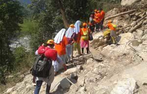 Llegar hasta aldeas remotas de Nepal con asistencia médica