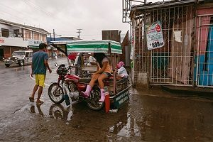 Philippines weathers Typhoon Hagupit as aid arrives