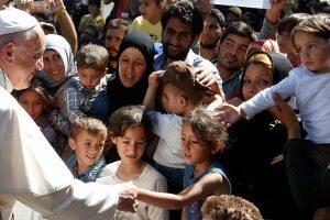 """""""No estáis solos"""": El Papa Francisco en Lesbos"""