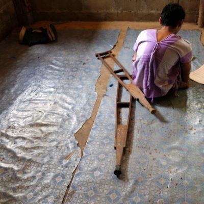 Los niños de Myanmar buscan escapar de la pobreza en Tailandia