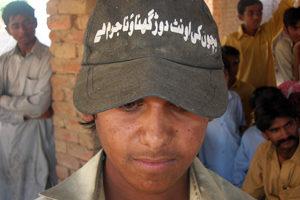Un nuevo comienzo para los niños jinetes de camellos en el Pakistán