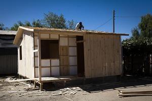 Un techo sobre la cabeza de los sobrevivientes del terremoto de Chile