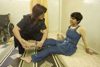 Syrie : une équipe pluridisciplinaire soigne des enfants infirmes