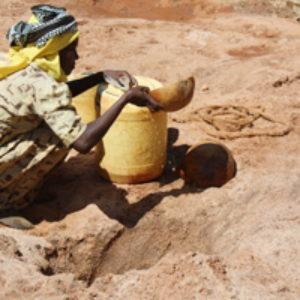 Dans la Corne de l'Afrique touchée par la sécheresse, Caritas apporte de l'eau aux assoiffés.