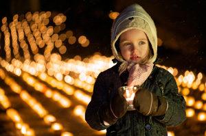 Iniciativa «un millón de estrellas» en Suiza – un mar de velas de solidaridad