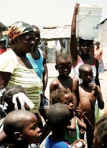 Prévenir les maladies par l'approvisionnement en eau propre, l'hygiène et l'assainissement