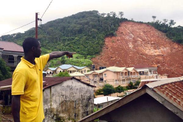 Caritas aide les survivants des coulées de boue en Sierra Leone.