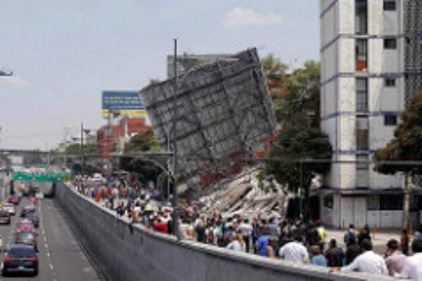 Earthquake strikes Mexico, killing hundreds