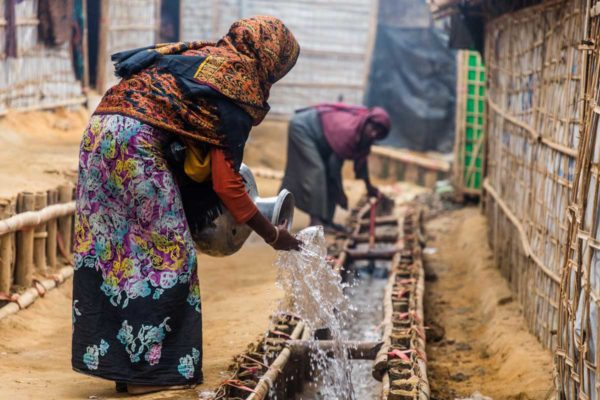 Caritas helps Rohingya batten down for monsoon and cyclones