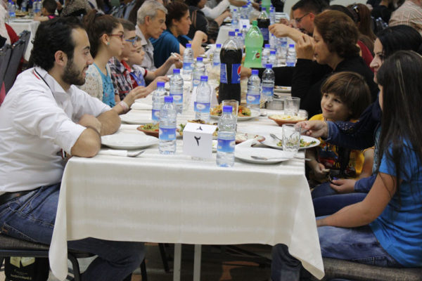 Share the journey meal with refugees in Syria: challenges and rewards