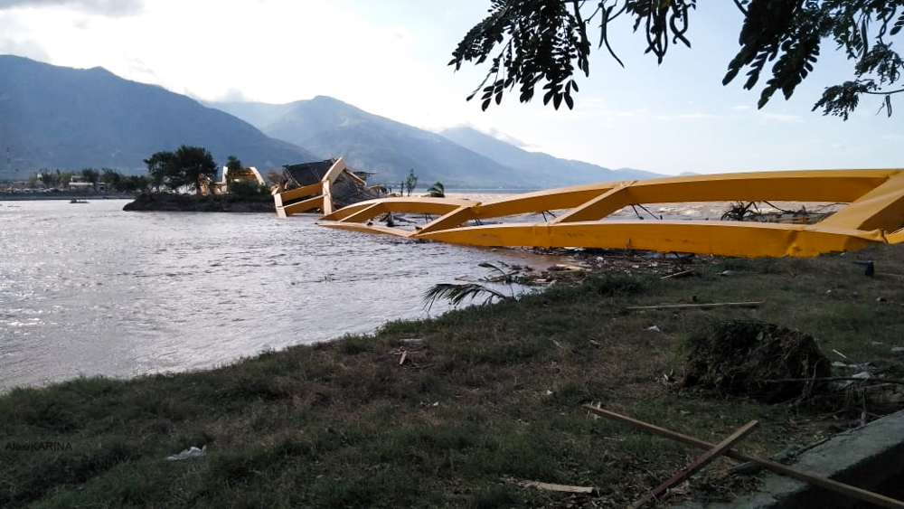 A bridge in Palu that was damaged by the Indonesia tsunami and earthquake. Credit: Caritas Indonesia