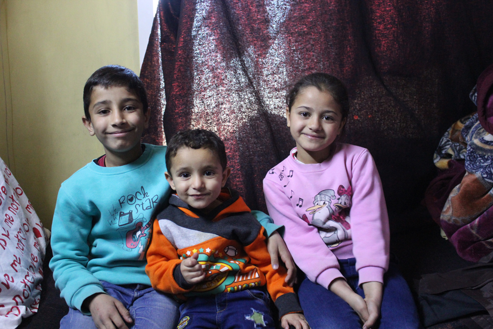 Caritas is helping Mohamed, Mahmoud and Shahd and their parents who fled their home in Ghouta, Syria.