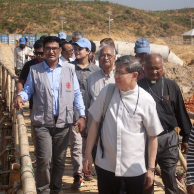 """A cry to the world"": Cardinal Tagle visits Rohingya refugee camps in Bangladesh"