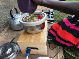 Caritas Denmark helped test the solar cookers in Uganda.