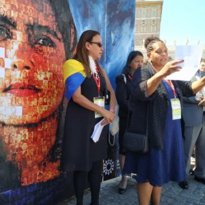 Asamblea General de Caritas Internacional inicia con gesto a migrantes