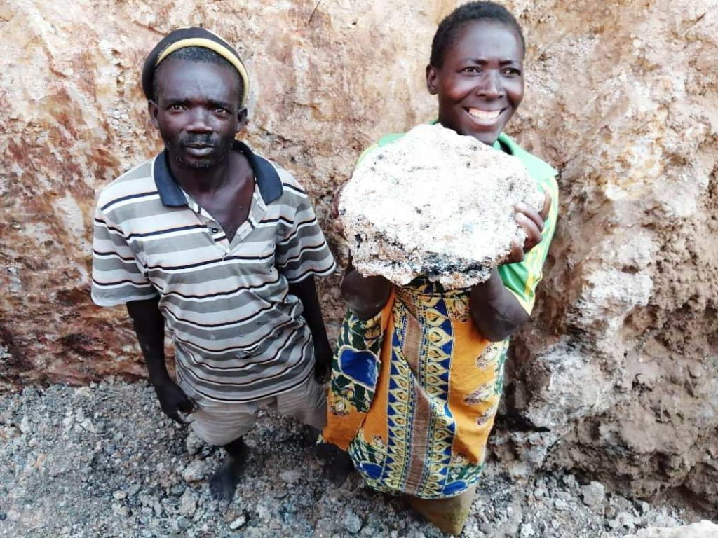 A tonne of manganese ore will earn Mary only 8 dollars.