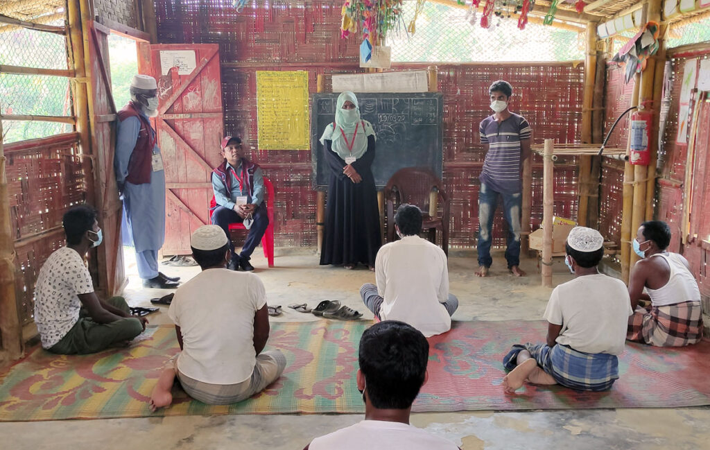 COVID-19 in Rohingya camps: Awareness raising session in the Rohingya refugee camp in Cox's Bazar