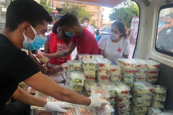 Explosiones en Beirut. Caritas Líbano: «Estamos viviendo una pesadilla pero no nos damos por vencidos y seguimos ayudando a los más vulnerables» </br> Caritas Internationalis lanza un plan de emergencia para ayudar inmediatamente a las víctimas