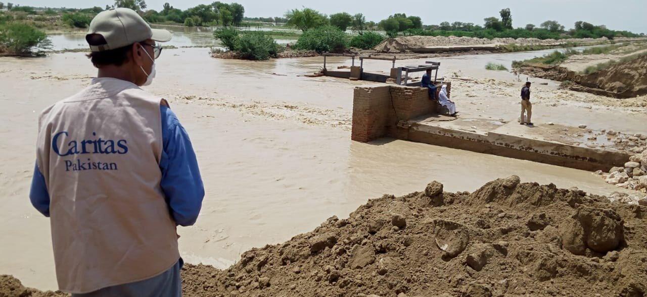 Cardinal Coutts : « Au Pakistan, les pauvres sont victimes d'une double tragédie. »  Les inondations sont le symptôme du manque de soins apportés à la création