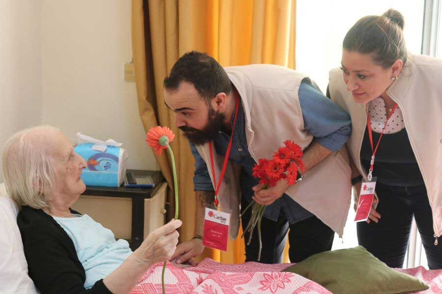 """Elias, cooperante de Caritas Siria: """"Ayudamos a la gente mientras experimentamos la misma crisis"""""""