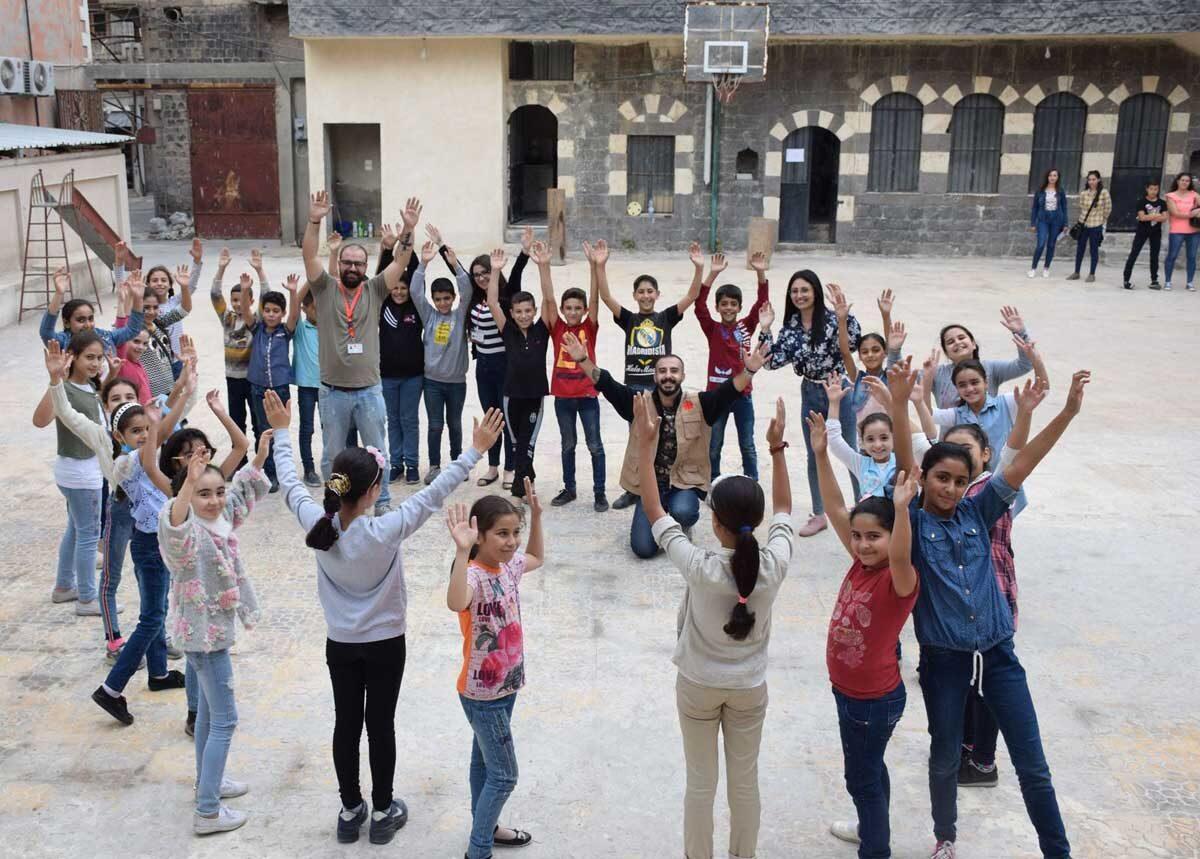 La confederación Caritas ha estado cerca de la población siria durante diez años de guerra, atendiendo a diez millones de personas